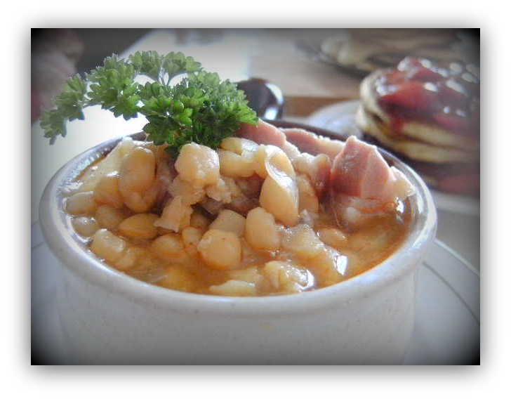 Laposborsó leves parasztsonkával, palacsinta balzsamecetes eperszósszal