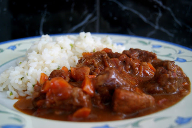 Estofado o Ragout de Ternera al Chocolate con Arroz Blanco