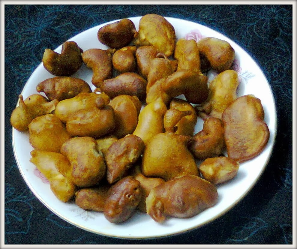 Kaju Pakora..(Cashew Pakora) - A Tea time Snacks
