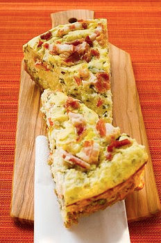 Tarta de puerros, panceta y queso