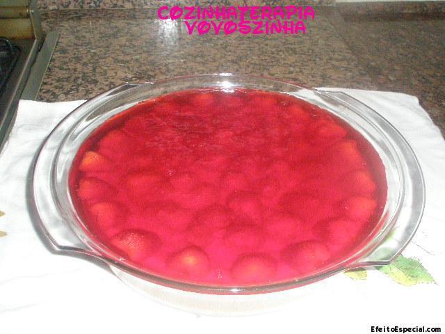 torta ricota com gelatina de morango