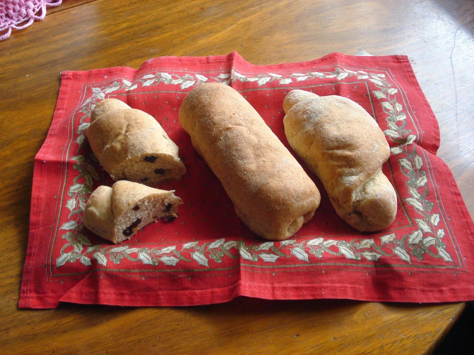 Fazendo Pão de Centeio Integral.... É O Prato Do Dia!