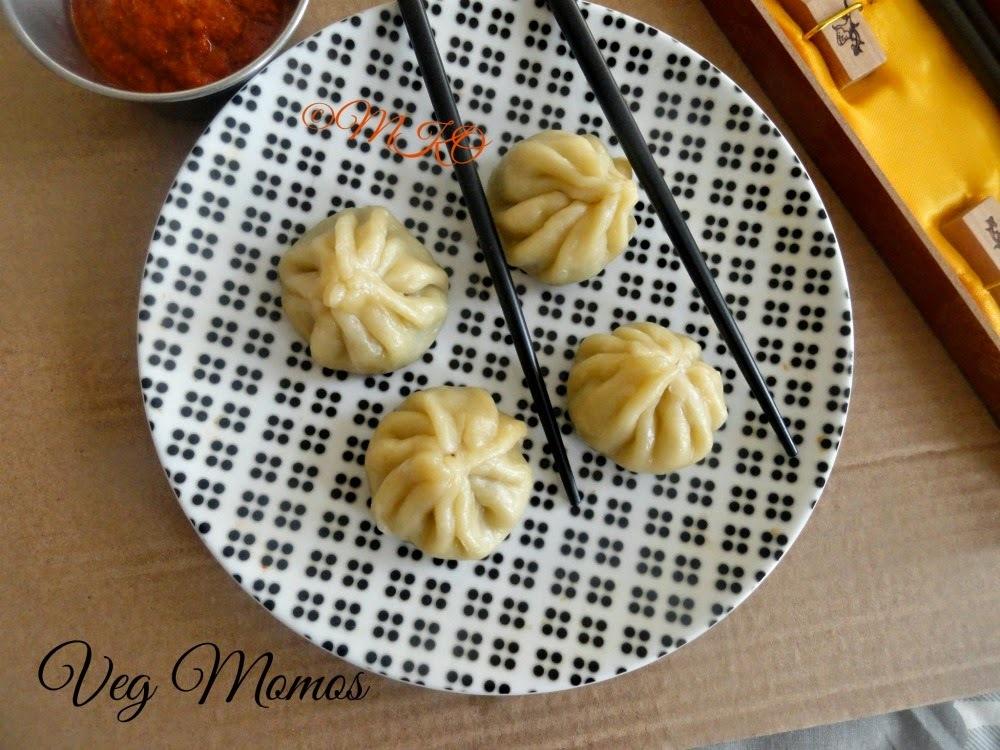 Steamed Veg momos/Mushroom dumplings