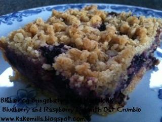 Smuldrepaikake med Blåbær, Bringebær og Havregryn / Crumble Pie-Cake with Blueberries, Raspberries and Oatmeal