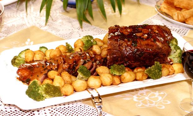 Carne assada ao molho ferrugem