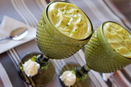 sobremesa de abacate com leite condensado