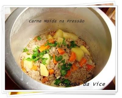 arroz com carne moida na panela de pressao