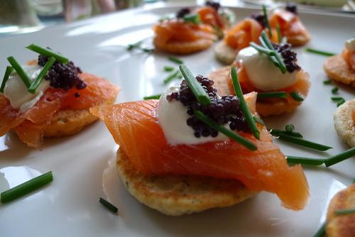 Canapé de Salmão, Caviar e Creme Philadelphia
