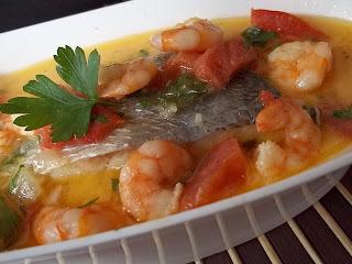 Moqueca de peixe e camarão