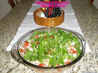 salada de trigo em grão com rucula
