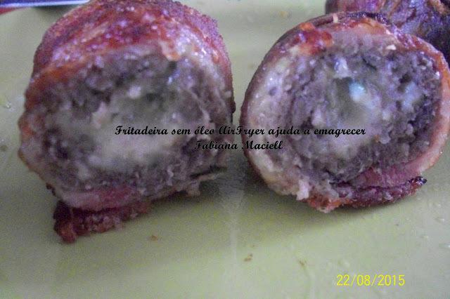 Bolinho de carne enrolado no bacon e recheado com queijo na Fritadeira sem óleo AirFryer