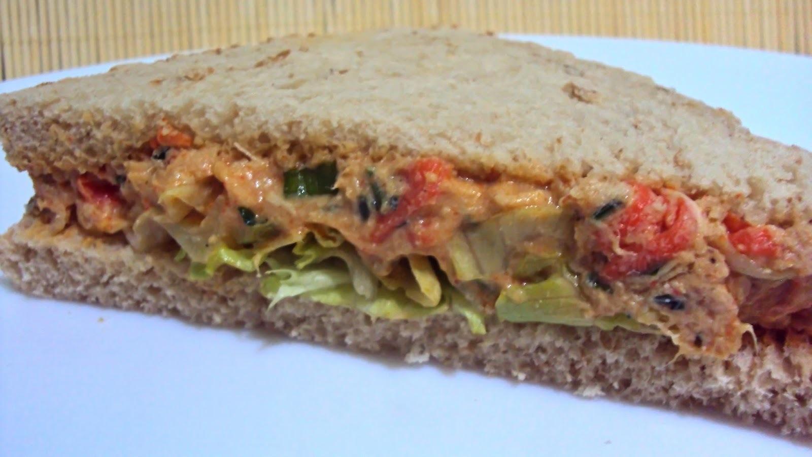 Sanduíche Natural com Recheio de Frango e Creme de Ricota