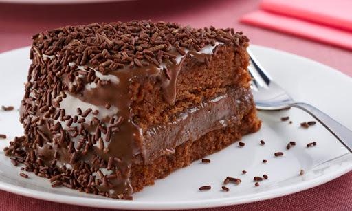 bolo de chocolate de liquidificador com nescau