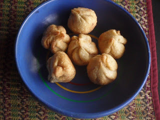 Fried Modakams For Ganesha Chaturti - Fried Dumpligs With A Sweet Filling