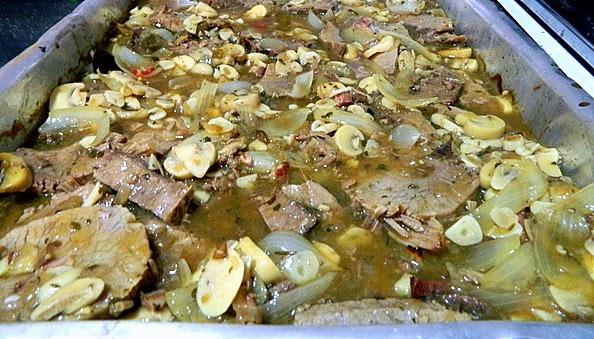 carne cozida ao molho madeira