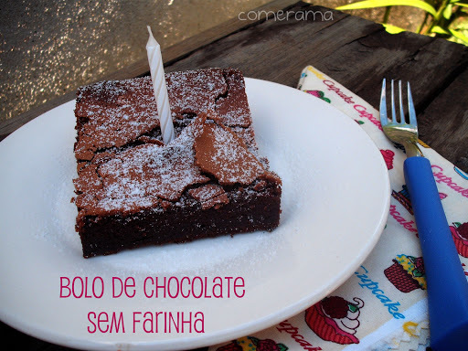 1 ano de blog + bolo de chocolate SEM farinha!!