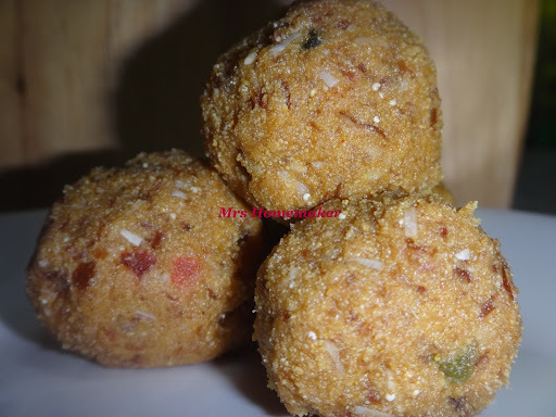Moong Dal Dates Ladoo (Without sugar)