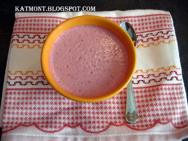 muse de morango com gelatina