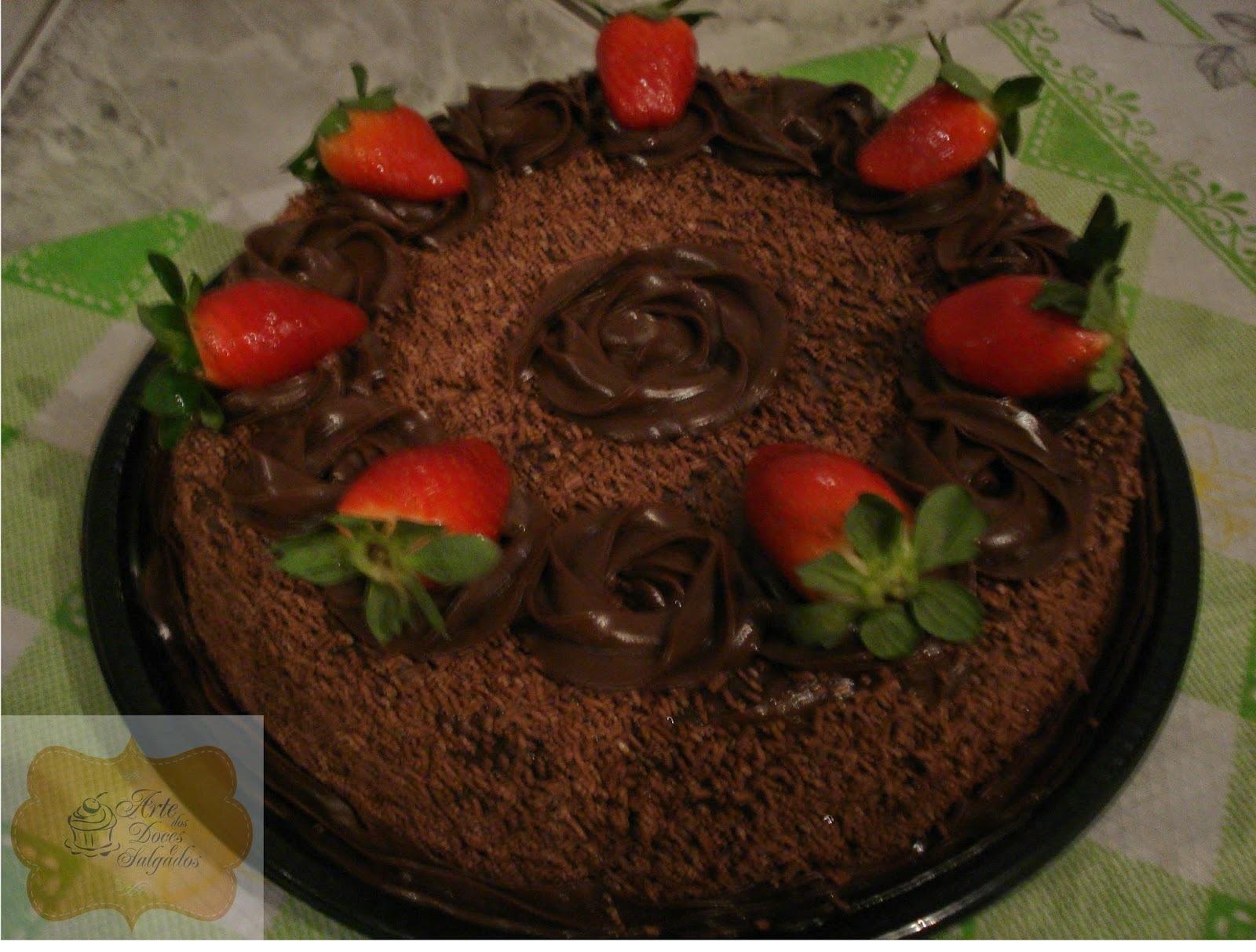 Torta de chocolate c/morangos!