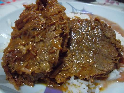 carne assado de panela feita na panela de pressao