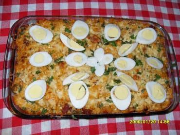 de arroz de forno com linguiça calabresa e bacon e ovos