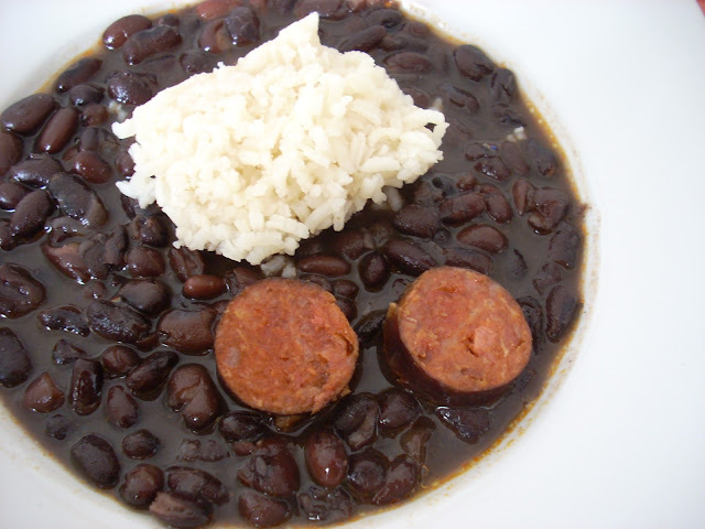 Negritos con Arroz Blanco