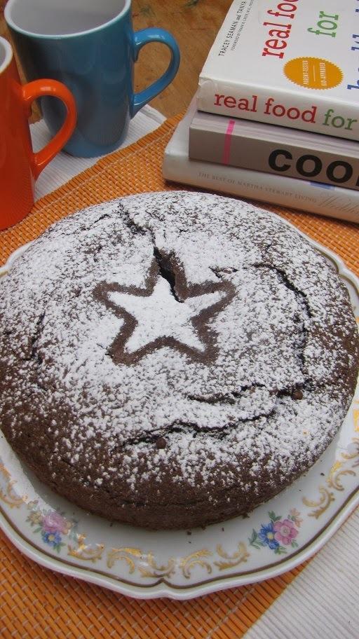 TORTA CON HARINA DE ALGARROBA Y CHOCOLATE