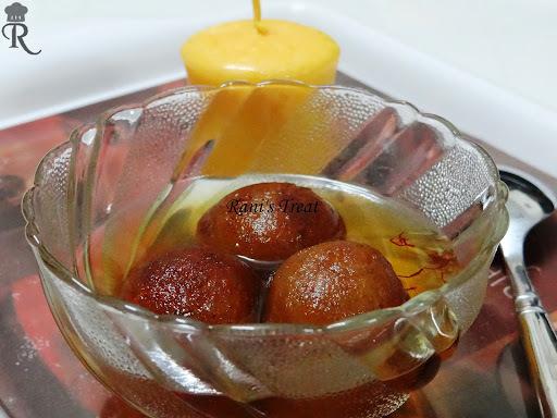 Sweet Potato Gulab Jamun/ Shakarkandi Gulab Jamun (சர்க்கரை வள்ளிக் கிழங்கு ஜாமூன்)