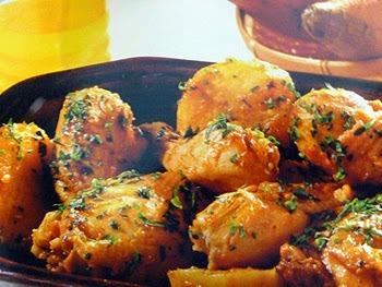 coxa e sobrecoxa ensopado com batata