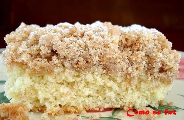 Bolo crocante (Crumb Cake)