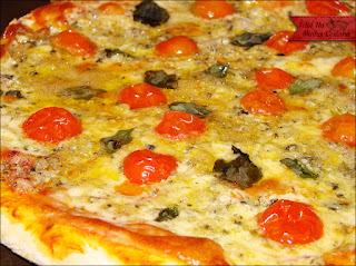 Pizza de Gorgonzola com Tomate Cereja