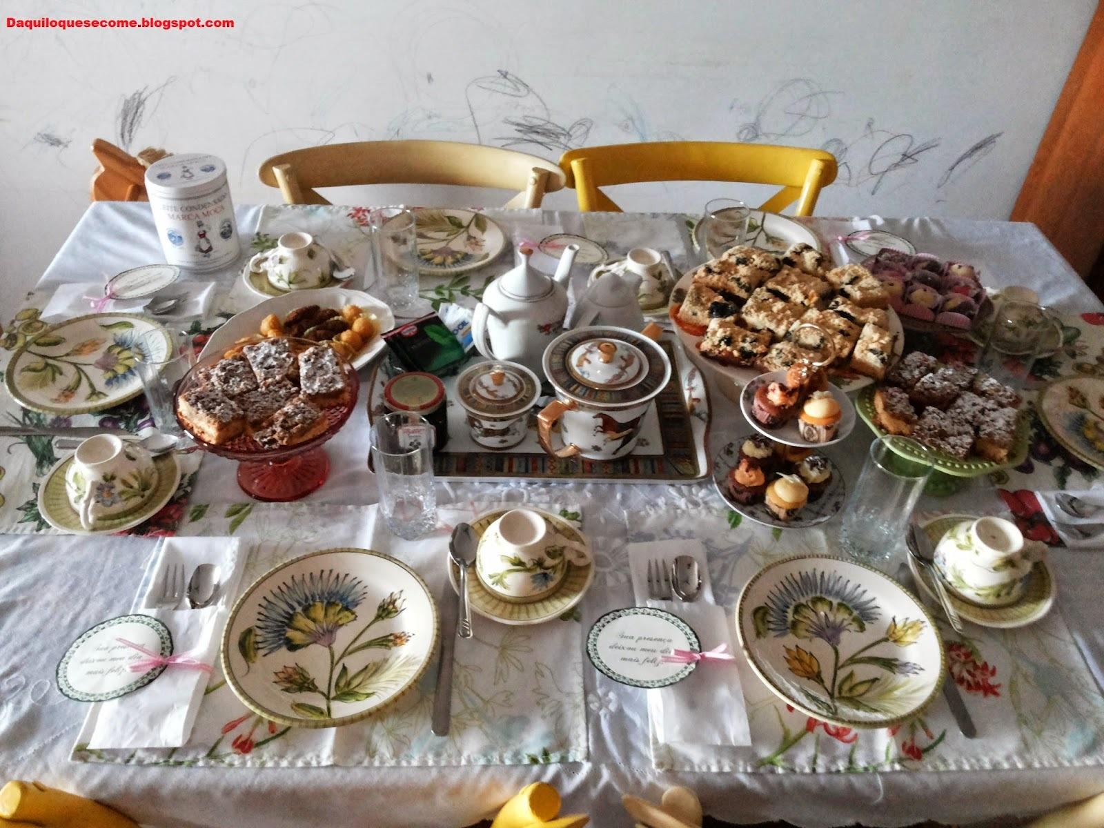 mesa para cafe da tarde