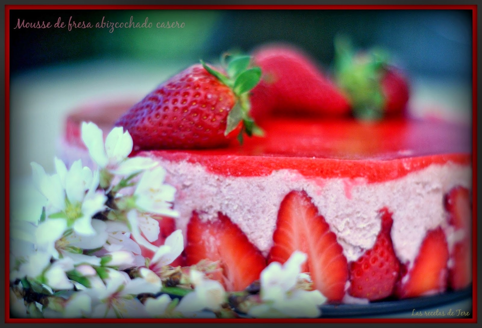 Mousse de fresas abizcochado.