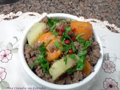 Carne Moída Com Cenoura e Batata