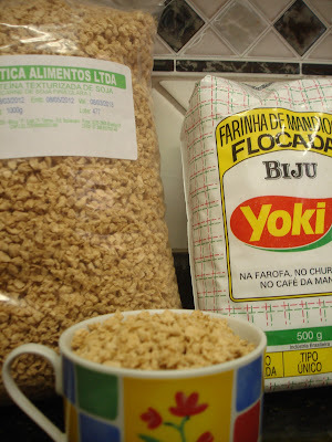 farofa com farinha de soja texturizada e farinha de milho
