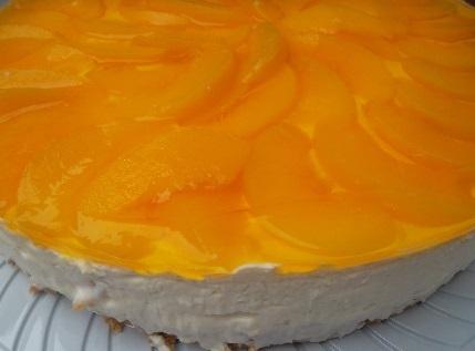 torta de maracuja com biscoito de maizena com calda de maracuja