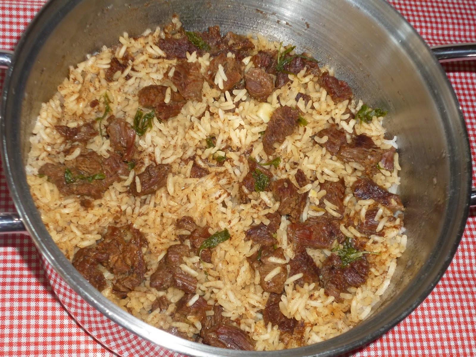 de arroz carreteiro com carne seca