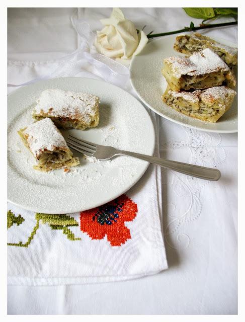 Štrukli s tikvicama i makom / White Summer Zucchini & Poppy Seed Strudel