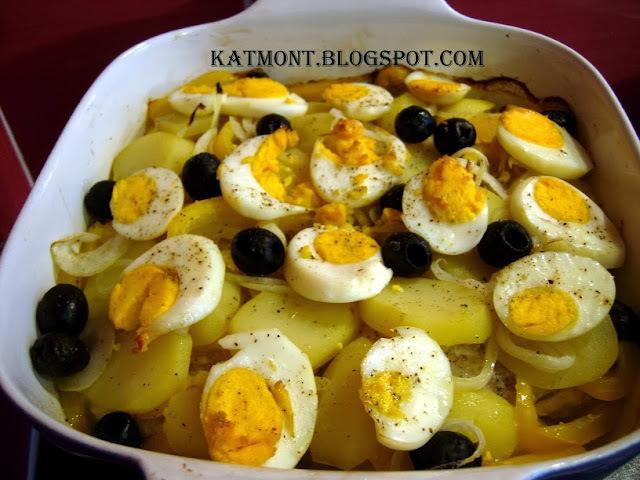 Falsa bacalhoada com filé de peixe - Filet de poisson au four sur lit de pommes de terre et oignons