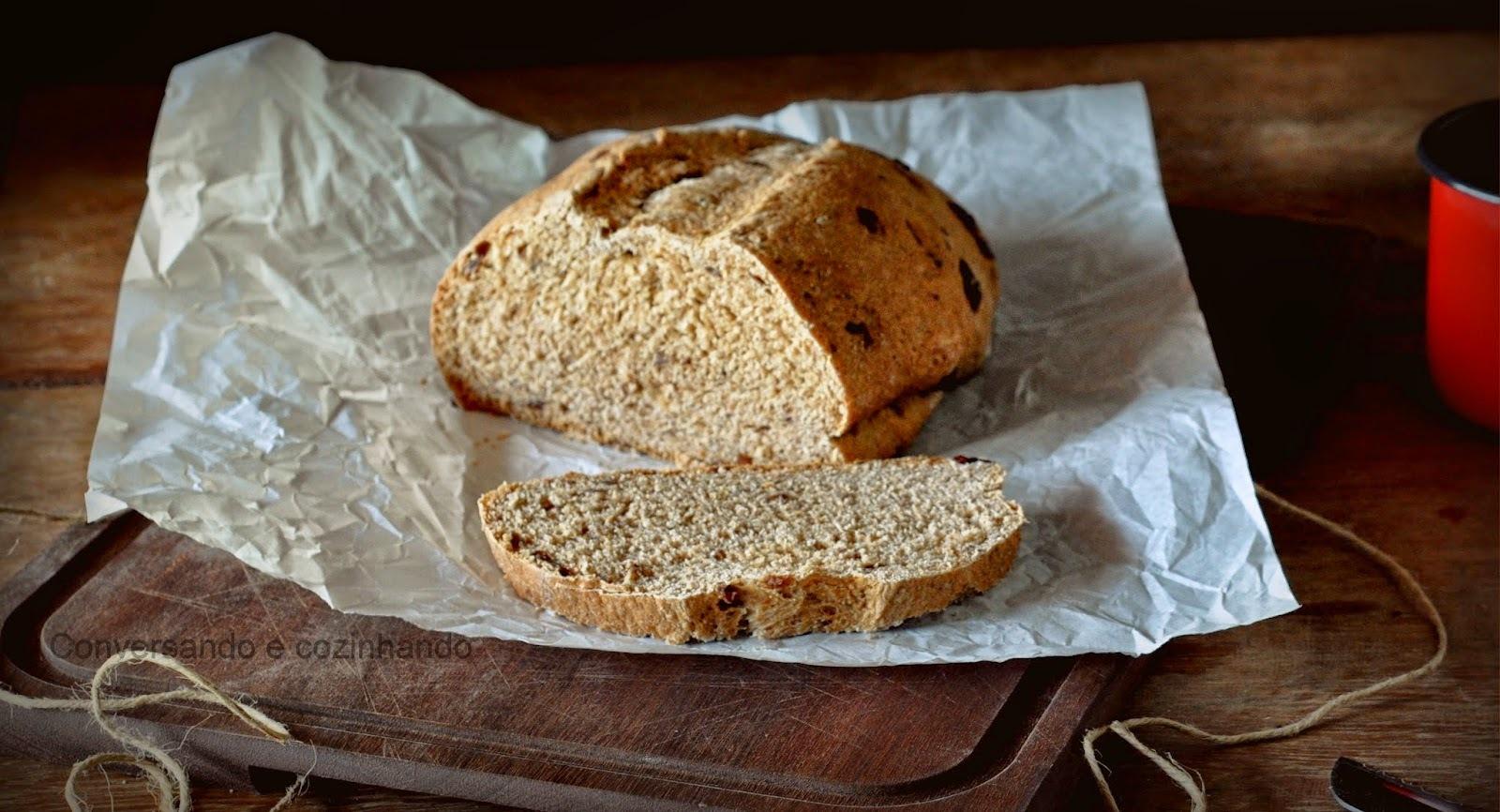 Pão integral de canela e uvas passas