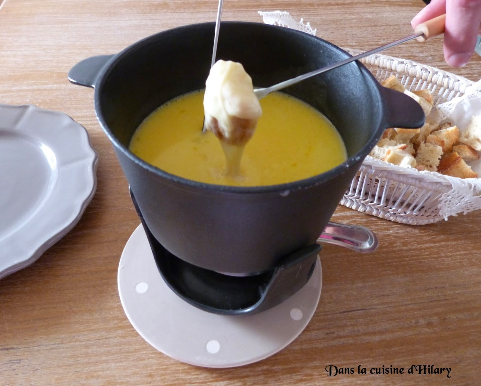Fondue savoyarde / Cheese fondue