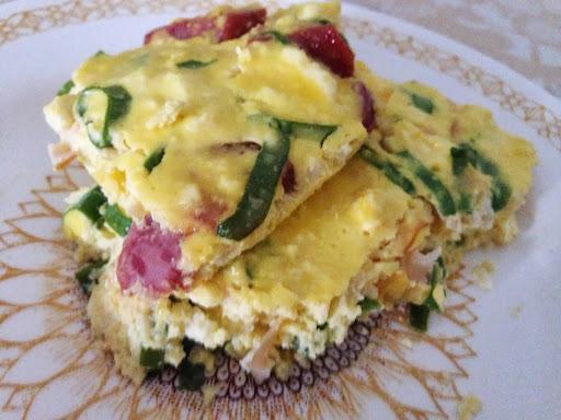 omelete de forno de calabresa