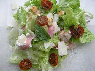 Salade tomate au four, fomage de chèvre,