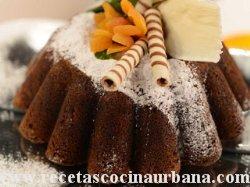 torta humeda de ciruelas y azucar negra