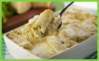 macarrão recheado com queijo provolone e queijo mussarela