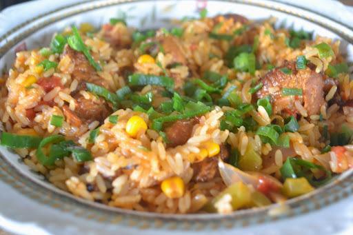 Seção Lavoisier, Sobre coxas da asinha de frango assadas na brasa viram galinhada com arroz.