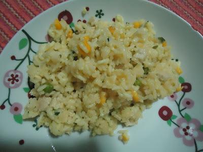 arroz com frango milho e ervilha