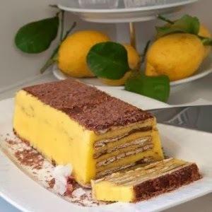 Γλυκό ψυγείου με μπισκότα και κρέμα λεμονιού