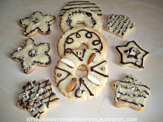 Christmas Shortbread ( Chocolate Almond Cookies )