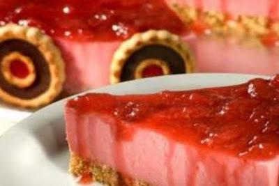Torta de mousse de morango